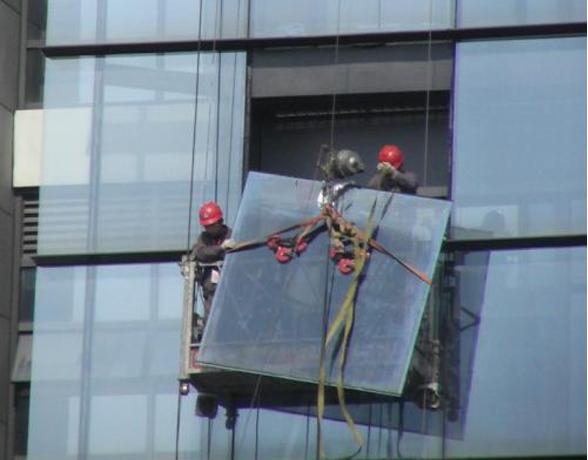 玻璃幕墙更换