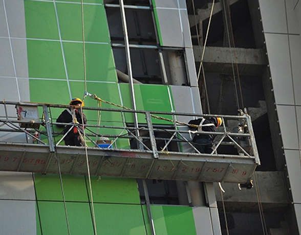 高空玻璃安装-专业外墙清洗