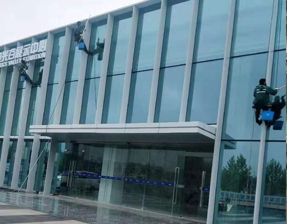 关谷展示中心外墙玻璃清洗服务省
